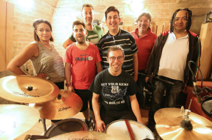 Les musiciens de Cachou-Cachou en studio